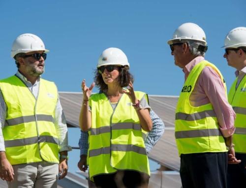 La consejera para la Transición Ecológica y Sostenibilidad visita la planta fotovoltaica Núñez de Balboa, en Usagre, que emplea a más de 1.200 personas