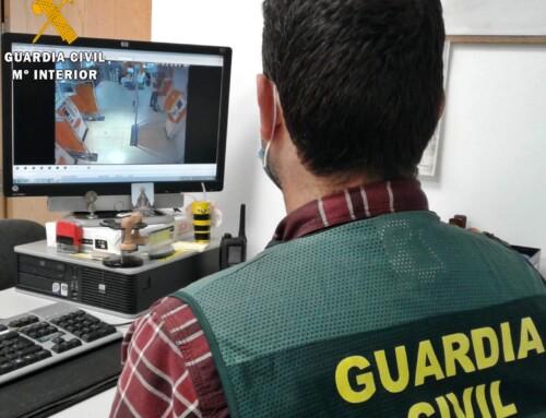 La Guardia Civil destapa a un grupo de cirberdelincuentes que estafó 28.000 euros a un empresario de Azuaga